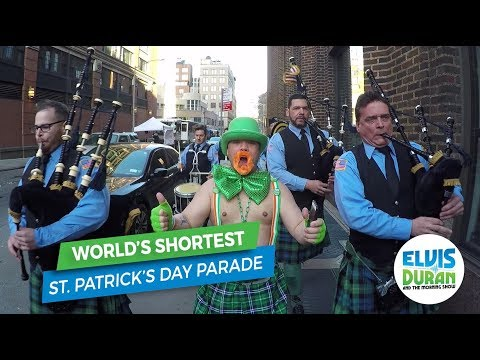 connectYoutube - World's Shortest St. Patrick's Day Parade   Elvis Duran Exclusive
