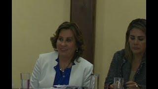 Sandra Torres se reunió con algunos miembros de la banda UNE en el Congreso