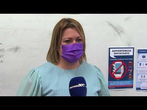 La secretaria de Educación encabeza la vacunación de docentes