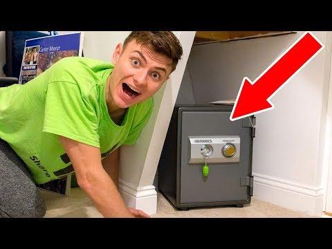 connectYoutube - I FOUND A SECRET HIDDEN SAFE!! (SUPER RARE FIND)