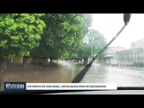 Em menos de uma hora, chuva alaga ruas de Aquidauana