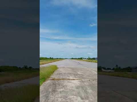 Landing-runway-16-Shorts