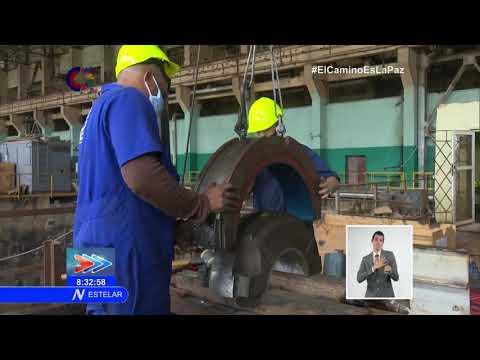 Especialistas de Centrales Eléctricas en Cuba laboran para solucionar avería en Termoeléctrica