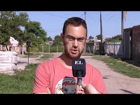 VECINOS DE FORMOSA AL 5700 COMPRARON MATERIAL PARA RELLENAR LA CALLES