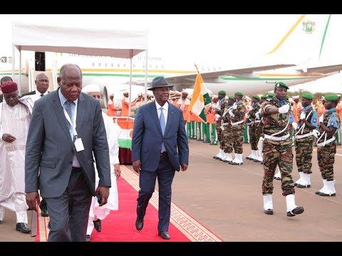 Arrivée du Président OUATTARA à Niamey pour prendre part au 12° Sommet Extraordinaire de l'UA