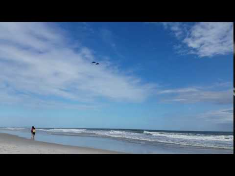 Video of Four Blue Angels Flying Over The Ocean