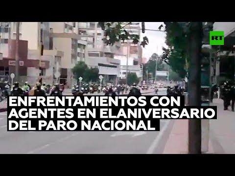 Enfrentamientos con agentes en el primer aniversario del paro nacional del 2019 en Colombia