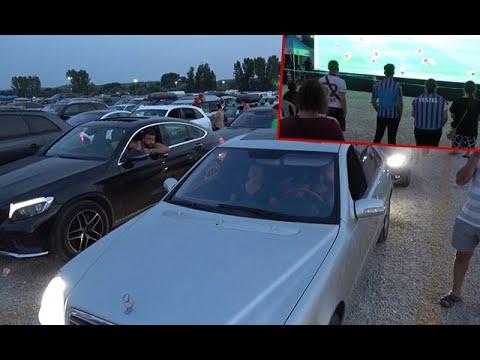 Kapıkule'de Çıkış İçin Sıra Bekleyen Gurbetçiler, Dev Ekrandan Maç İzledi