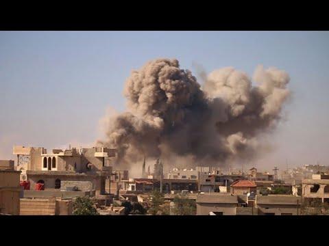 غارات عنيفة على مدينة درعا في جنوب سوريا