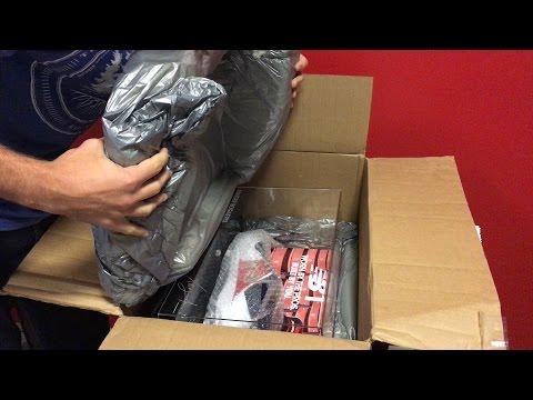 Unboxing Xander Bogaerts' Custom NB1 3000v3 Baseball Cleats