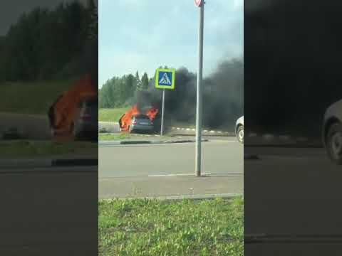 """У трц """"Июнь"""" горел автомобиль, 21.06"""