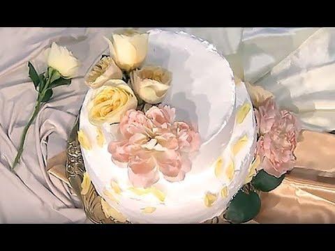 Королевский десерт: рецепт свадебного торта принца Гарри и Меган Маркл