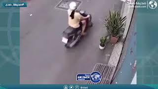امرأة تسرق بطريقة ماكرة