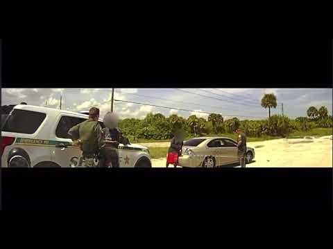 Hombre en libertad bajo fianza dispara contra la policía durante parada de tráfico en Florida