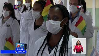 Médicos cubanos regresan tras combatir la COVID-19 en Guinea