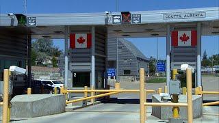 Alberta piloting COVID-19 testing at border, airports
